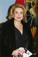 "Catherine Deneuve at the premiere of the film ""Après vous"" - photo Serge Benhamou"